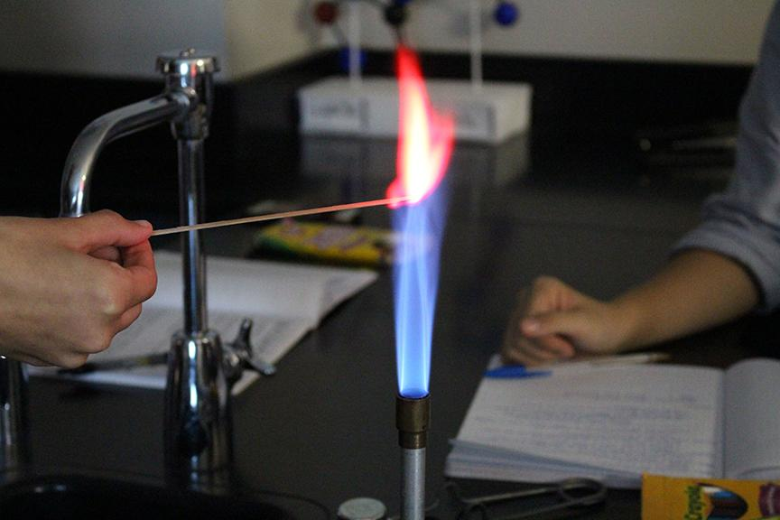 A+red+flame+like+this+one+could+mean+that+the+chemical+could+have+been+a+Lithium+salt%2C+a+Calcium+salt%2C+or+a+Strontium+salt.++