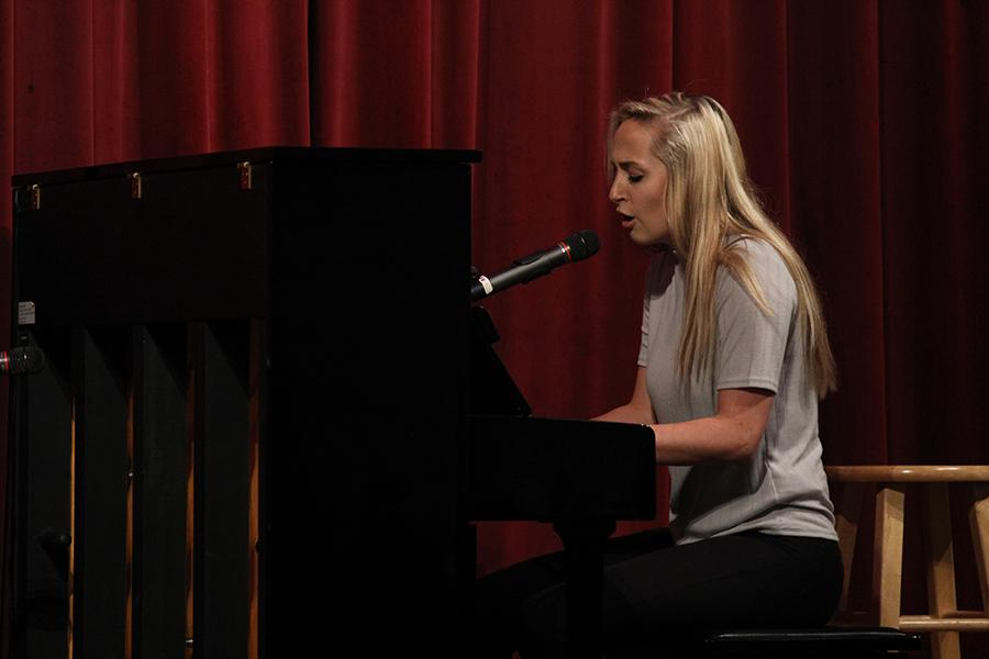 Senior+Audrey+Fogle+plays+the+piano+while+performing+One+Republic%27s+%22Secrets%22.
