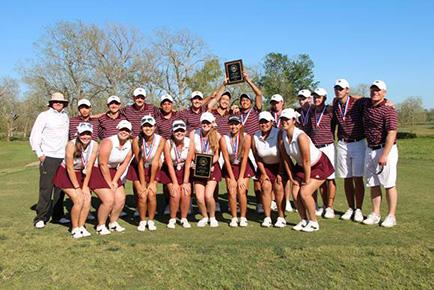 The golf teams show off their plaques. Both teams will advance to regional tournaments next week.