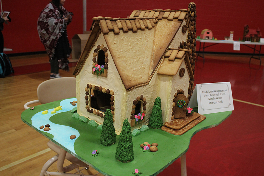 A+traditional+Gingerbread+House+created+by+seniors+Natalie+Grant+and+Morgan+Bush.