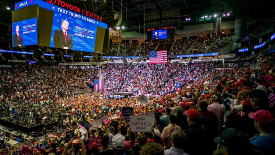 The+packed+arena+tuned+in+on+the+speeches+made+by+Trump+and+Cruz.