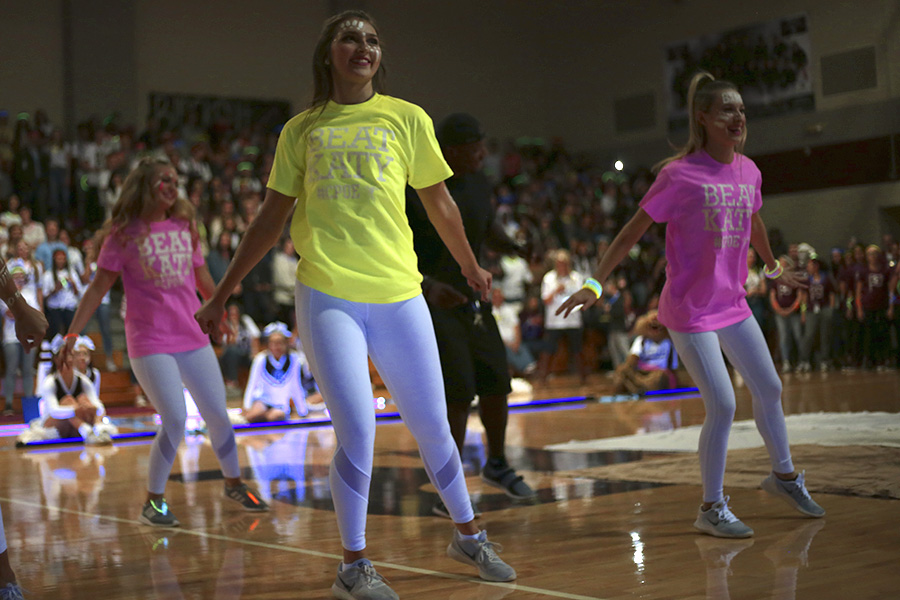 Cougar Stars lead the pep rally crowd at the