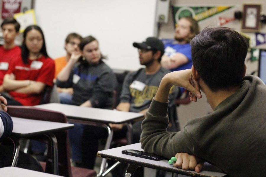 Students tune into the advice from alumni.